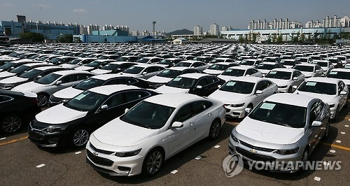 This photo, taken on May 19, 2016, shows GM Korea's all-new Malibu midsize sedans waiting to be shipped to customers at an open-air storage yard. (Yonhap)