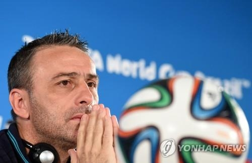 This file photo taken by the EPA in 2014 shows then Portugal national football team head coach Paulo Bento. (Yonhap)