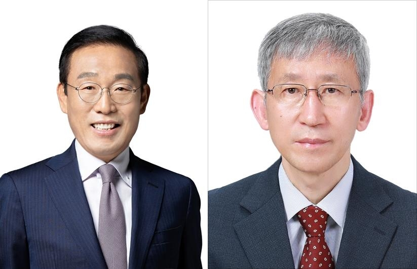 This file photo provided by the science ministry shows Samsung Electronics Vice Chairman Kim Ki-nam (L) and KAIST Distinguished Professor Chang Suk-bok, who were named South Korea's top scientists for 2019. (PHOTO NOT FOR SALE) (Yonhap)
