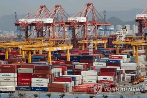 (LEAD) Korea's exports set to decline for 8th straight month in July