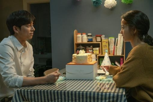 "This image provided by Lotte Entertainment shows a scene from ""Kim Ji-young, Born in 1982."" (PHOTO NOT FOR SALE) (Yonhap)"
