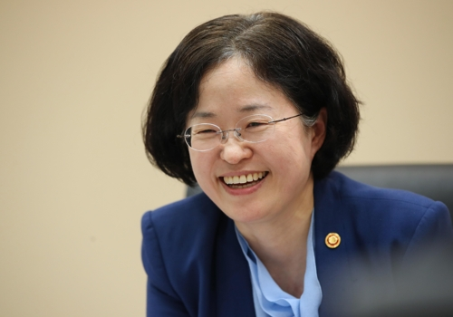 (Yonhap Interview) FTC chief is in favor of new innovation services