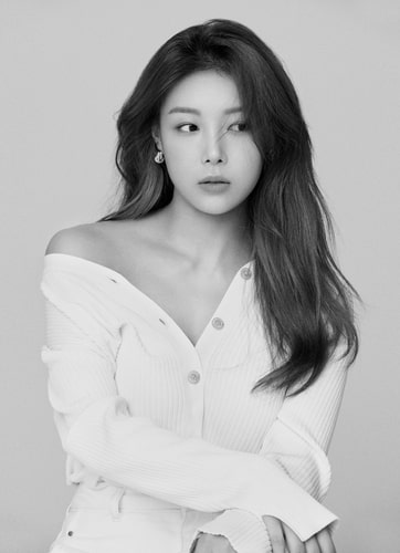 A file publicity photo of singer Yubin, provided by rrr Entertainment (PHOTO NOT FOR SALE) (Yonhap)