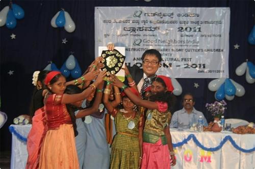 안 씨는 2008년부터 5년동안 인도 지역에서 빈곤 퇴치 사업을 펼쳤다