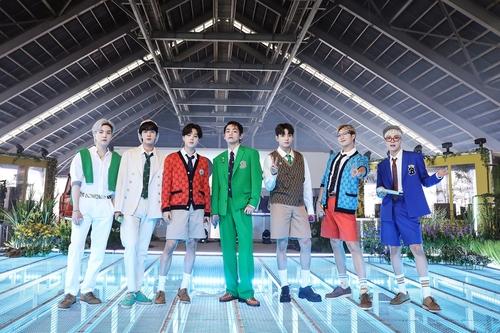 BBC 라디오 1 '라이브 라운지'에 출연한 그룹 방탄소년단(BTS)