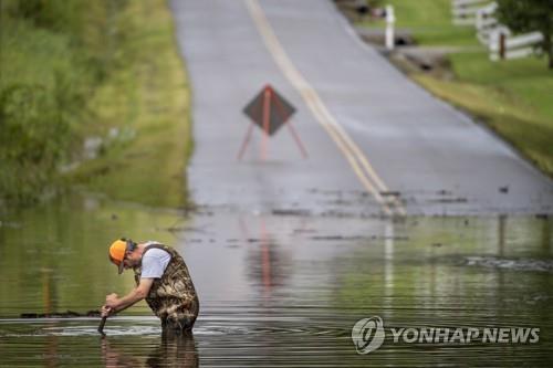 미국 테네시주에서 21일(현지시간) 기록적인 폭우가 쏟아져 인명 손실과 도로 파손 등 큰 피해가 발생했다. [테네시주민 조시 노리스 제공. AP=연합뉴스]