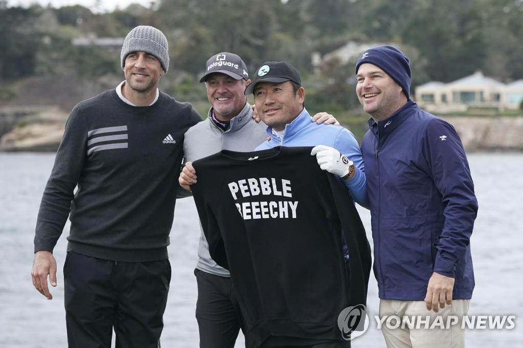 왼쪽부터 NFL 선수 에런 로저스, 프로골퍼 제리 켈리, 최호성, 배우 크리스 오도널