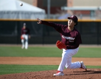 Knuckleball-throwing baseball exec. throws 2 shutout innings in spring game