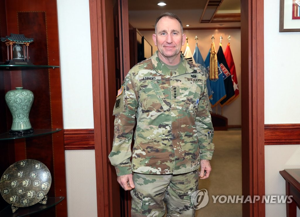 U.S. Forces Korea (USFK) Commander Gen. Robert Abrams poses for a photo before an exclusive interview with Yonhap News Agency at his office in Yongsan Garrison in central Seoul on March 13, 2019. (Yonhap)