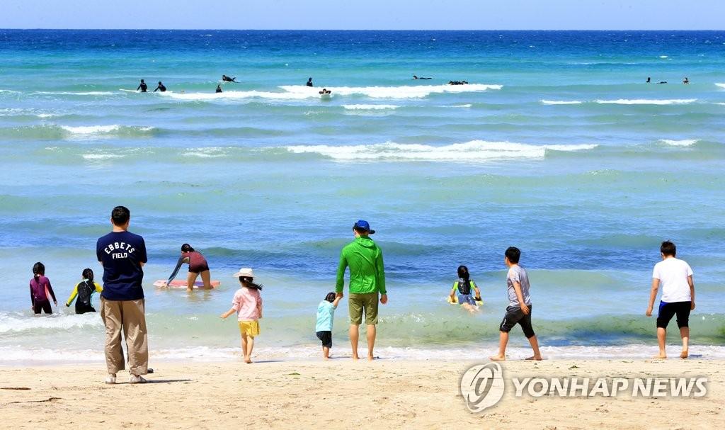 여름의 문턱 입하, 푸른 제주바다