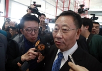 N. Korea employs high-pressure tactics in nuke talks with U.S.