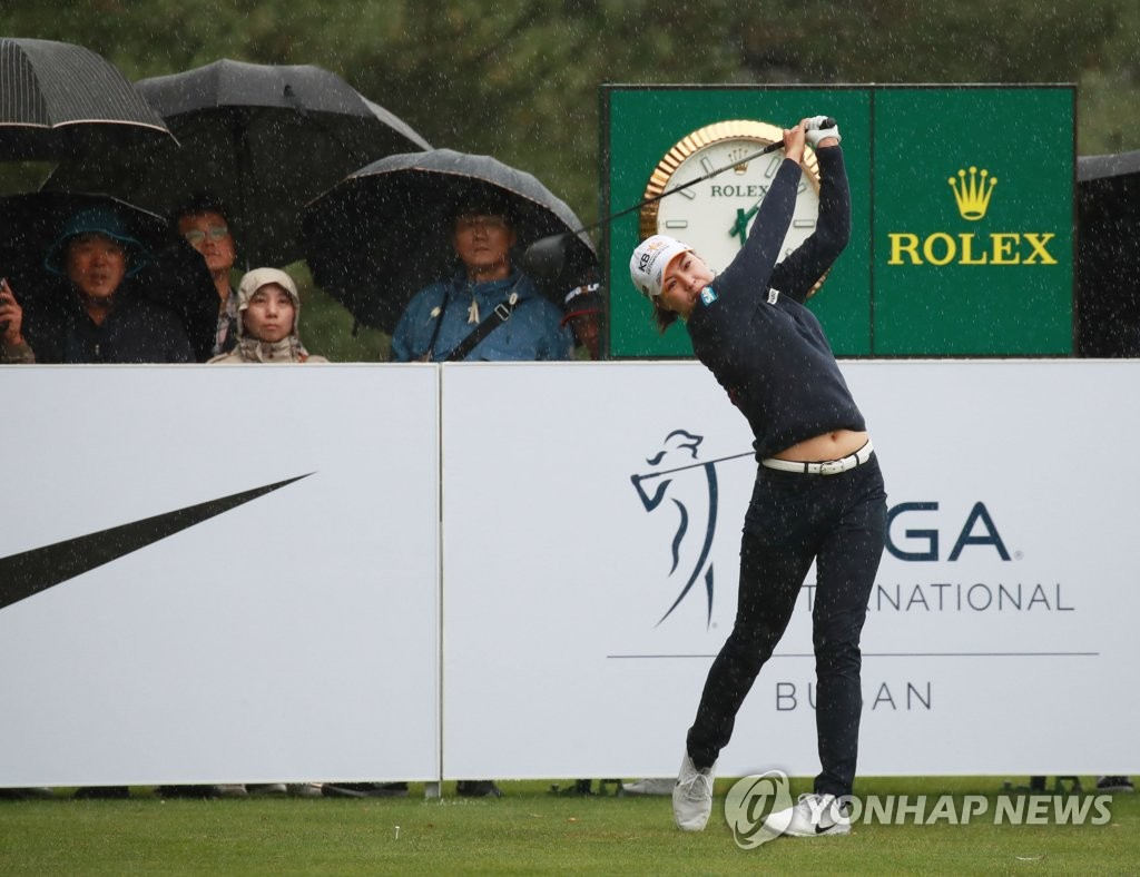 Chun In-gee of South Korea tees off on the ninth hole during the first round of the BMW Ladies Championship at LPGA International Busan in Busan, 450 kilometers southeast of Seoul, on Oct. 24, 2019. (Yonhap)
