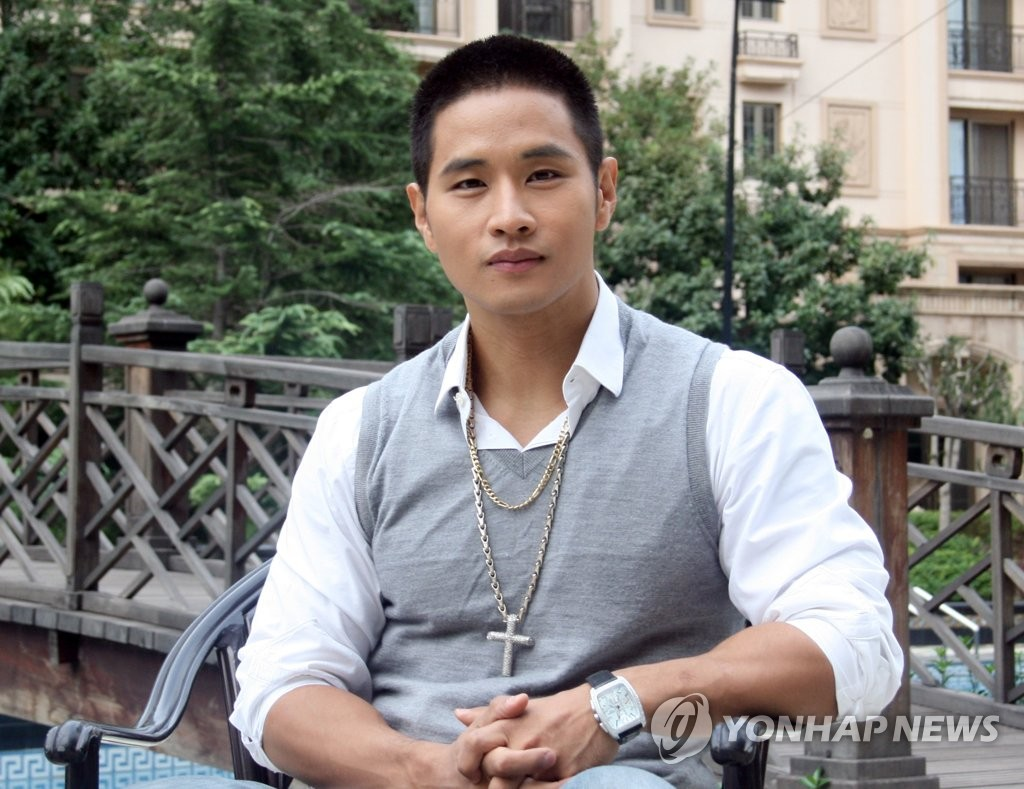 This file photo shows Korean-American singer Steve Yoo. (Yonhap)