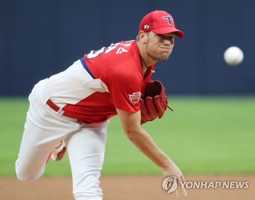 'Just throwing strikes': how Aaron Brooks is dominating KBO in 1st season