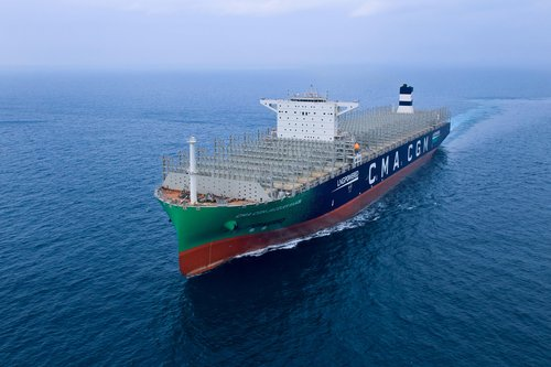 World's largest LNG-powered container ship to enter S. Korea