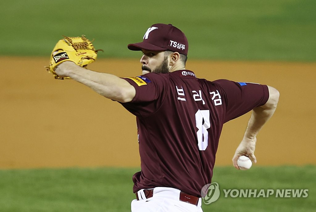 In this file photo from Nov. 2, 2020, Jake Brigham of the Kiwoom Heroes pitches against the LG Twins in the Korea Baseball Organization Wild Card game at Jamsil Baseball Stadium in Seoul. (Yonhap)