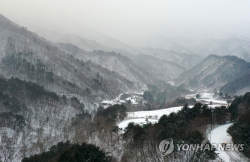 Snow in S. Korea's northeastern area