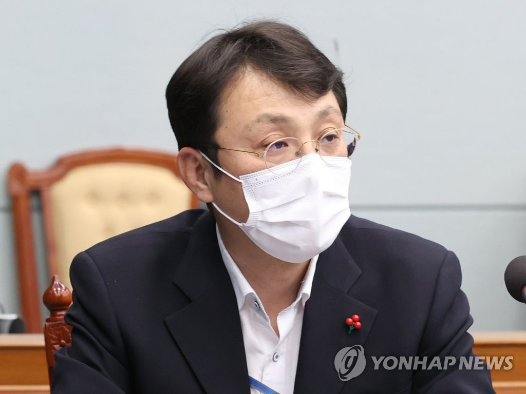 This file photo shows Lee Jin-seok, presidential secretary for state affairs monitoring. The prosecution indicted him on April 9, 2021, on charges of meddling in the mayoral election in the southeastern city of Ulsan in 2018. (Yonhap)